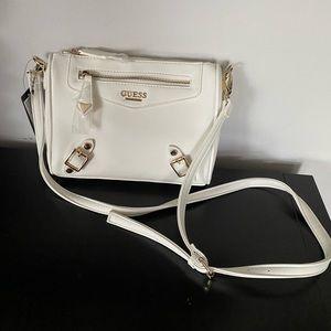 White guess purse (nwt)